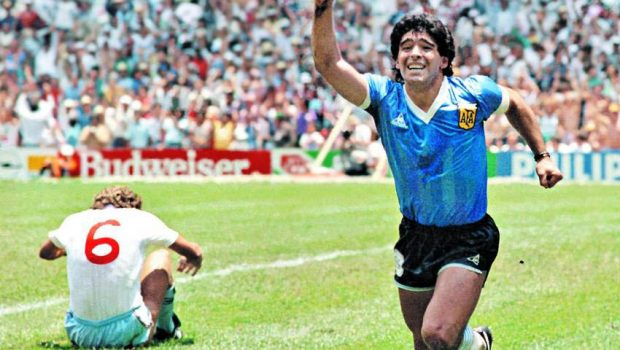 Diego Maradona ja jumalan käsi