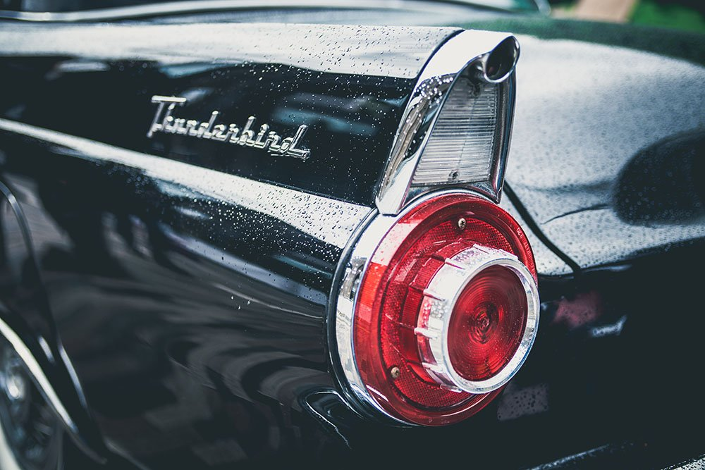 Ford Thunderbird. A photo by Clem Onojeghuo. unsplash.com/photos/5QAeUF6Pduc
