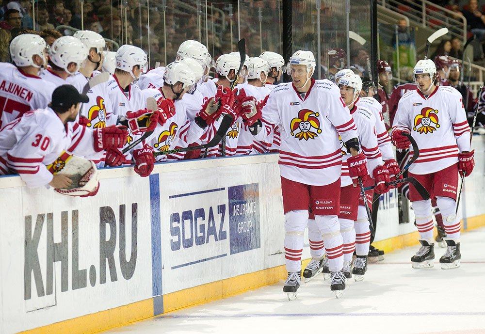 KHL kausiennakko