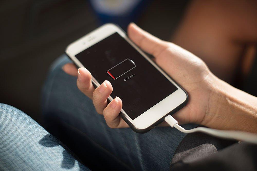iphone vai android pelaamiseen akun kesto