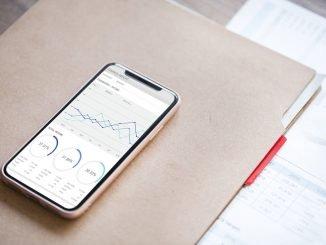 Fintech-yrityset auttavat sijoittamisessa ja säästämisessä.